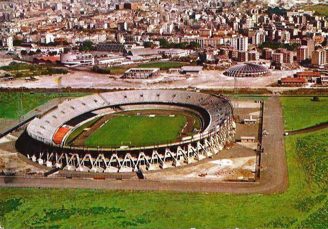 Veduta aerea dello Stadio Sant'Elia negli anni '70