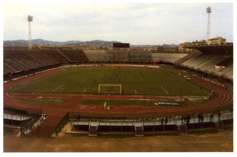 Lo Stadio Franchi nel 1987, prima della ristrutturazione per Italia '90